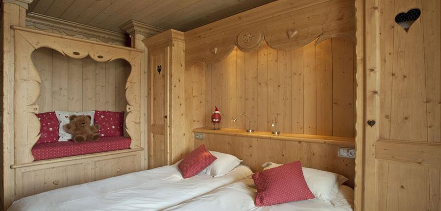 france_espace-killy_tignes_hotel_le_paquis_bedroom2.jpg